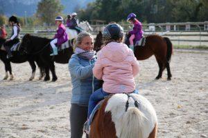 Cours de poney au centre équestre le Troubadour près de Voiron (38)